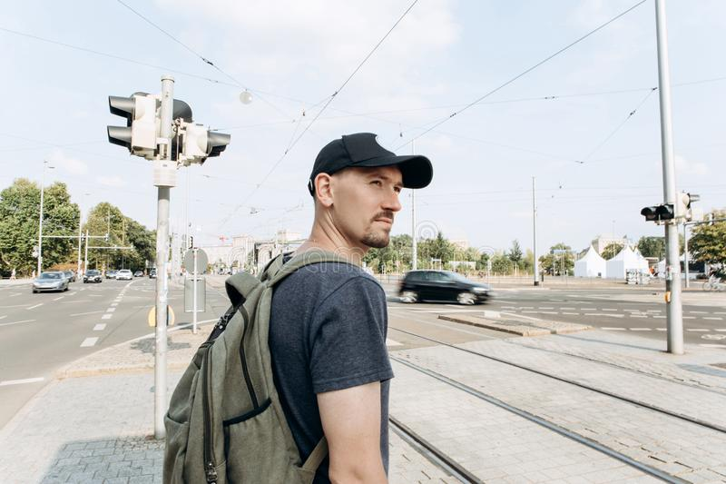 Młody facet na ulicie w Leipzig zdjęcie stock