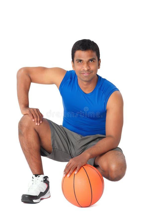 Młody gracz koszykówki obraz royalty free