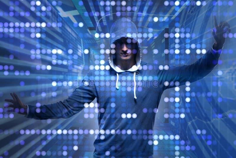 Młody hacker w cyber ochrony pojęciu obrazy royalty free
