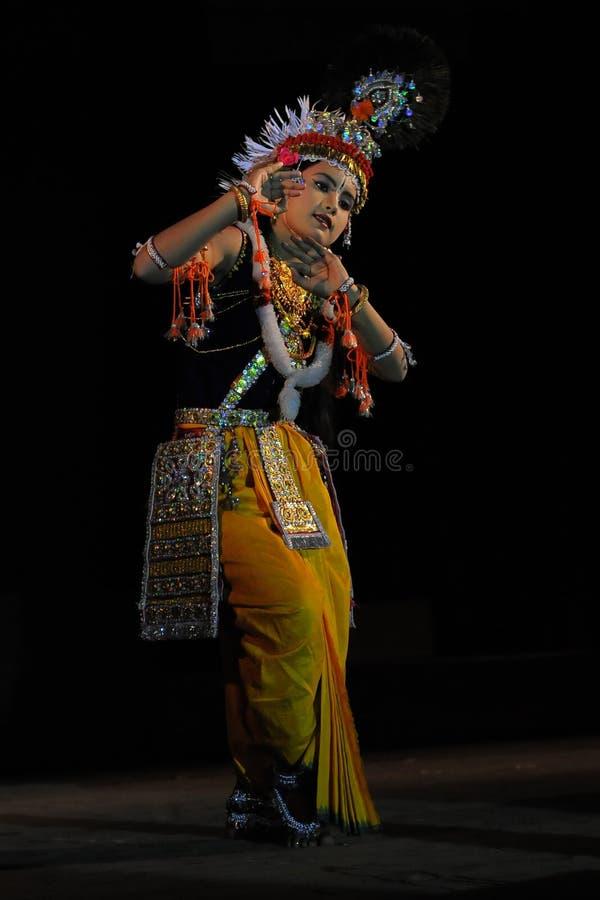 Młody Krishna w Manipuri sceny Tradycyjnym hinduskim tancerzu obrazy royalty free