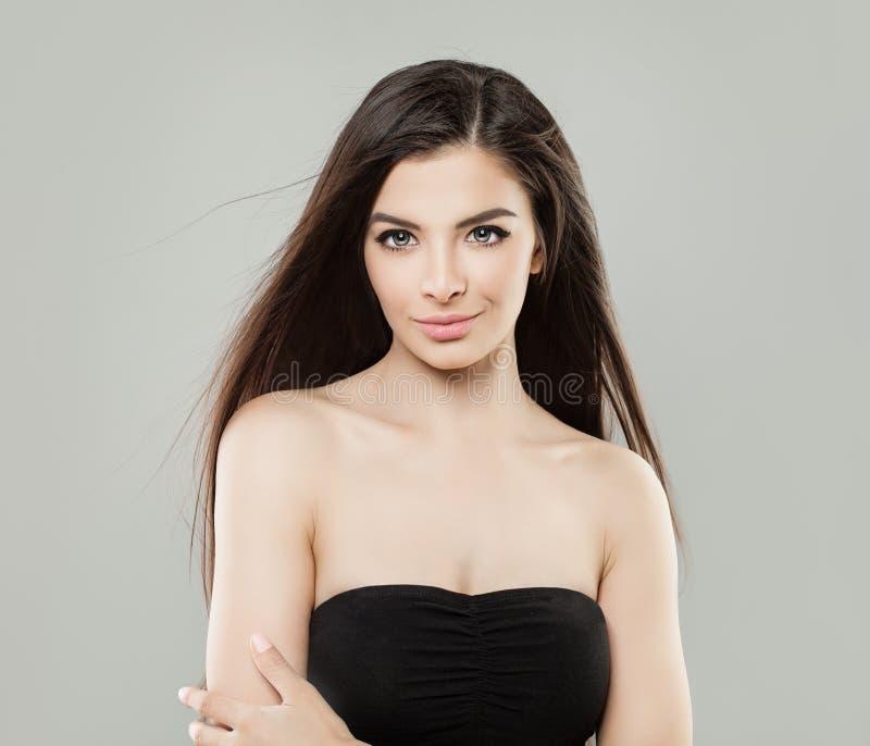Młody Latynoski dziewczyny studia portret elegancka kobieta fotografia royalty free