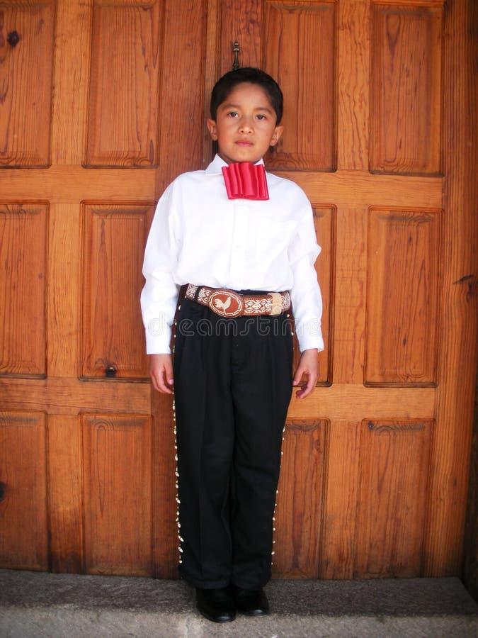 Młody mariachi w ciemnego dnia nadmorski w Belize obrazy royalty free