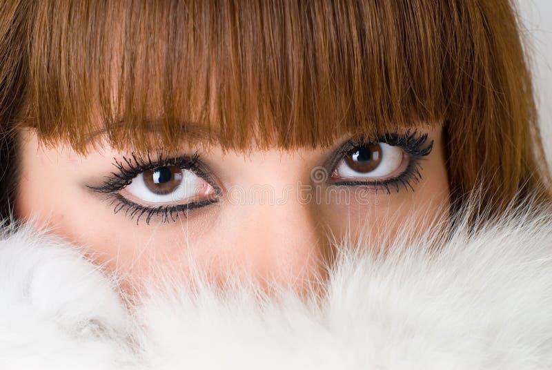 Młody miedzianowłosy kobieta portret zdjęcia stock