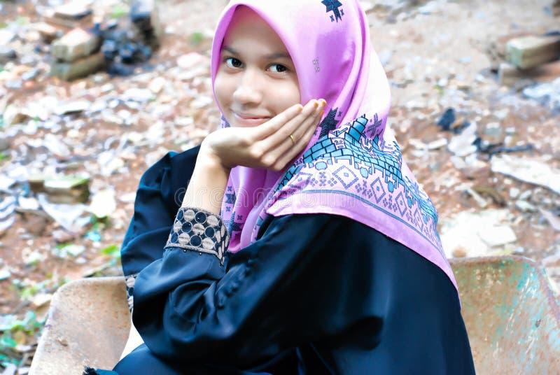 Młody Muzułmański dziewczyny ono uśmiecha się obrazy royalty free