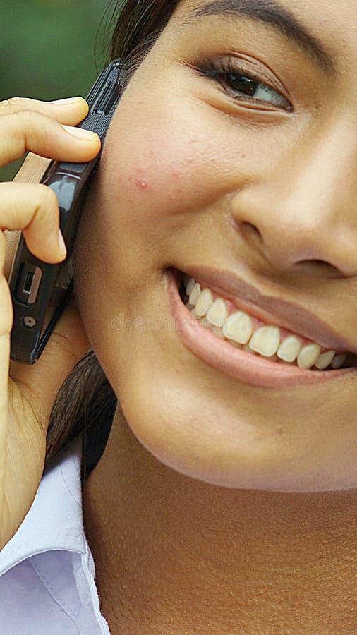 Młody nastolatek Używa telefon zdjęcie stock