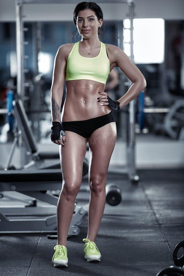 Młody sprawności fizycznej kobiety model zdjęcia stock