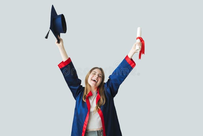 Młody studencki kończyć studia od uniwersyteta zdjęcia stock
