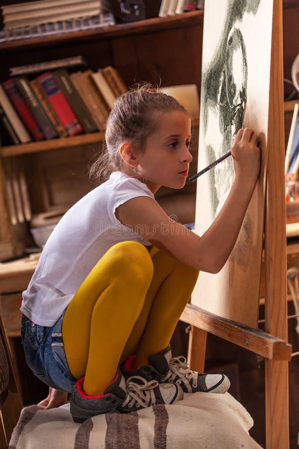 Młody utalentowany dziewczyna artysta zdjęcia stock