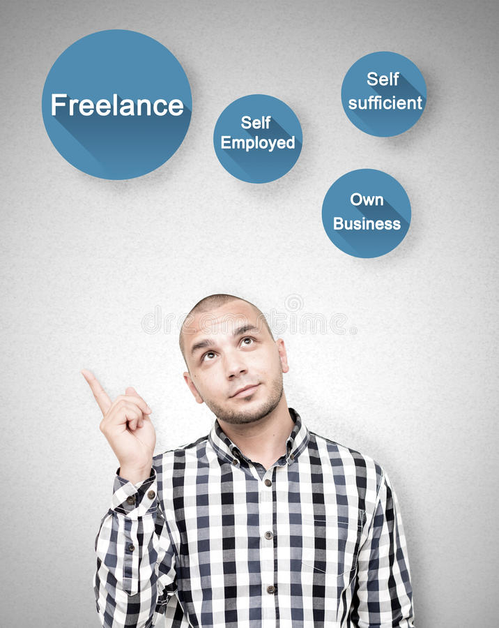Młodych człowieków przedstawienia freelance prac korzyści zdjęcia stock