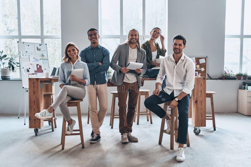 Młodzi biznesowi profesjonaliści obraz stock