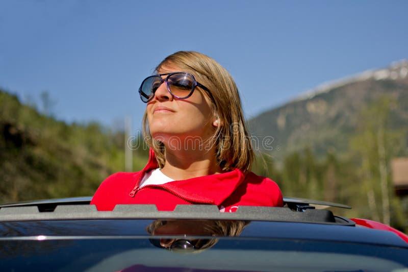 młodzi dziewczyna okulary przeciwsłoneczne obraz stock