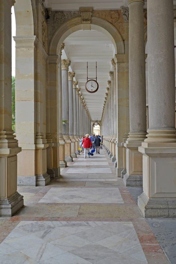 Młyńska kolumnada w Karlovy Zmienia republika czech fotografia stock