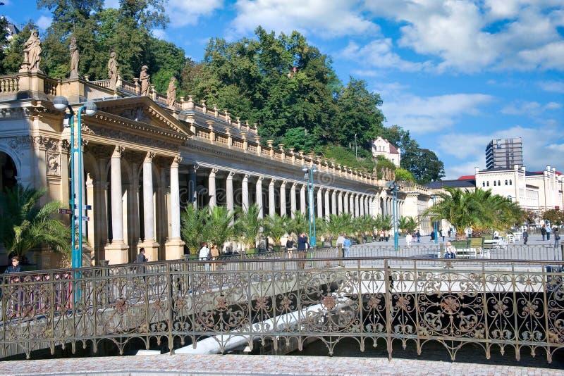 Młyńska kolumnada w zdroju grodzki Karlovy Zmienia, Zachodnia cyganeria, republika czech fotografia royalty free