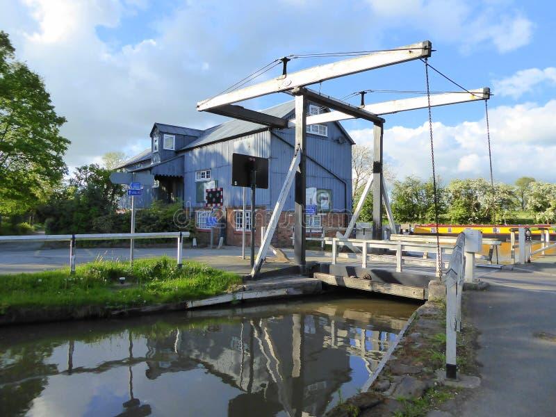 Młyński i kanałowy dźwignięcie most zdjęcie royalty free
