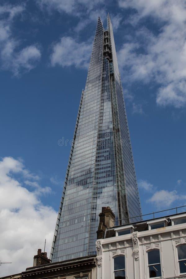 306m角度是楼房建筑铕hdr地标伦敦新的scrapper碎片射击天空细微的最高的下面宽意志 免版税库存图片