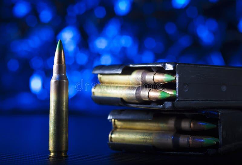 M855 περιοδικά πυρομαχικών και μετάλλων στοκ εικόνες με δικαίωμα ελεύθερης χρήσης