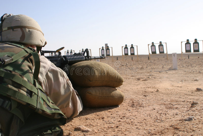 m 4 ostrzału zasięg saudyjczyk fotografia royalty free