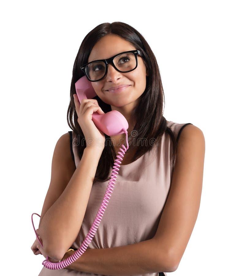 M?dchen, das am Telefon spricht stockbilder