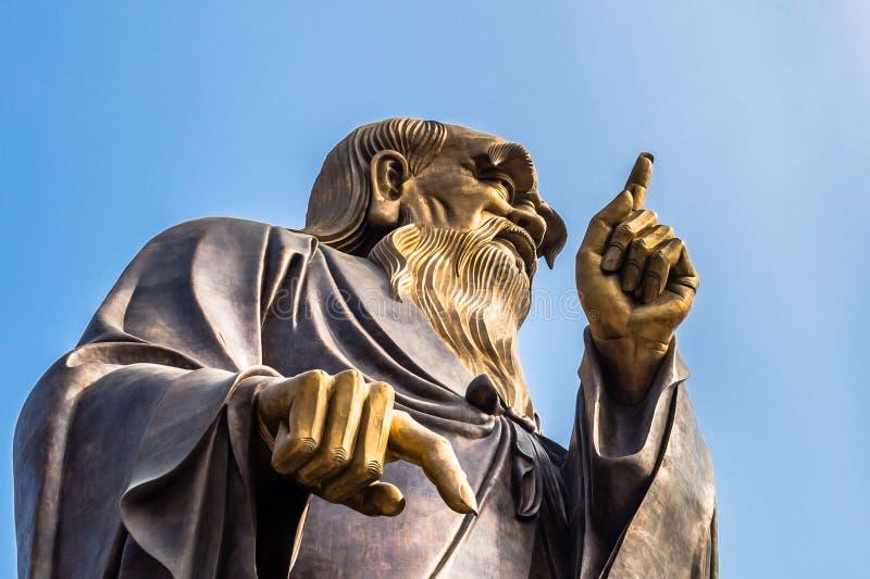 36m hohe Lao Tze Statue in Tai Qing Gong Temple in Laoshan-Berg, Qingdao lizenzfreies stockbild