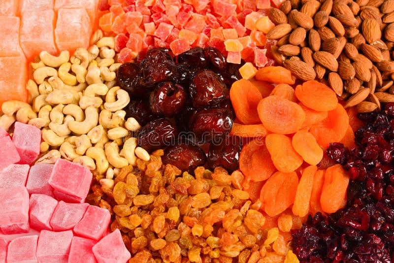 M?lange des ?crous et du fond de fruit et doux sec de plaisirs turcs photo stock