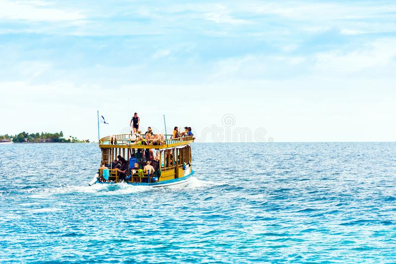 MÂLE, MALDIVES - NOVEMBRE, 27, 2016 : Vue du paquebot photos stock