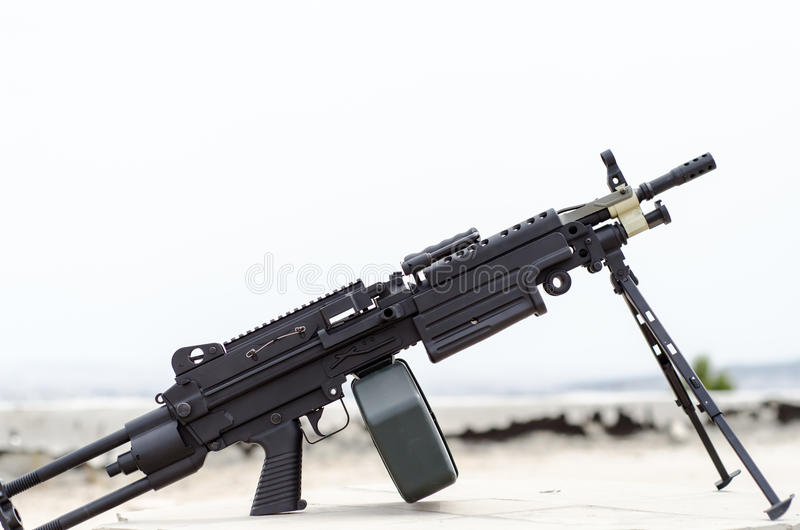 Download M249 Minimi Light Machine Gun Stock Image - Image of assault, para: 73787617
