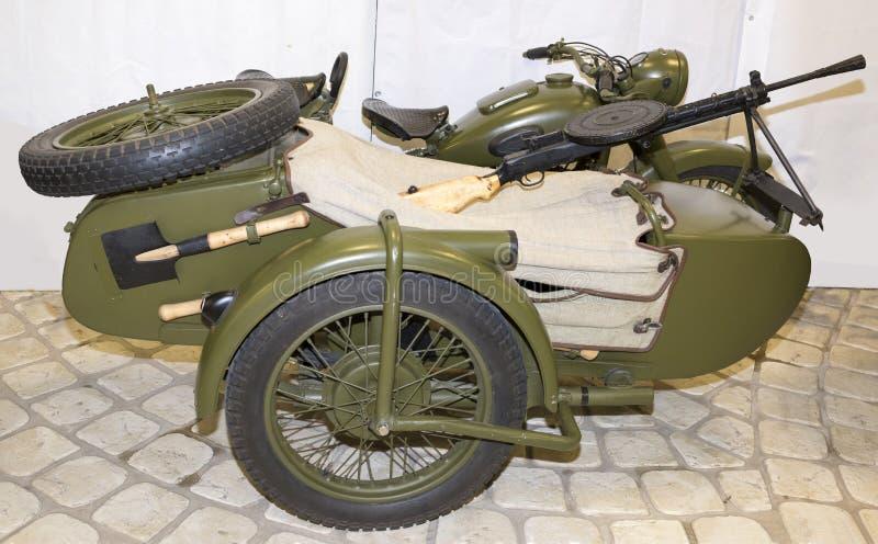 M-72 - Motocicleta do exército com uma metralhadora DP, 1941 fotos de stock royalty free