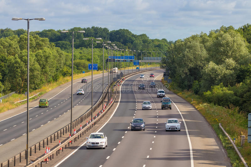 M-motorway nära West Bromwich, Birmingham, UK arkivbilder