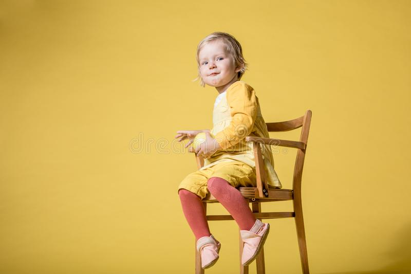 M?oda dziewczynka w kolor ? zdjęcie royalty free