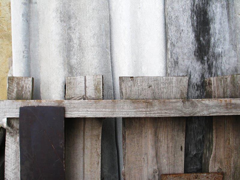 M?rk gr? f?rger och svart kritiserar bakgrund eller textur royaltyfri bild