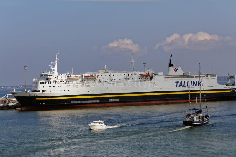 M/S zeebries in de haven van Tallinn, Estland stock foto's