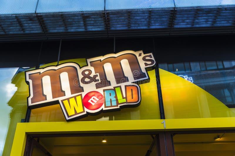 M&M sklep w Londyn w Anglia, Zjednoczone Królestwo zdjęcia royalty free