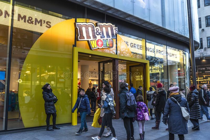 M&M sklep w Londyn w Anglia, Zjednoczone Królestwo zdjęcia stock