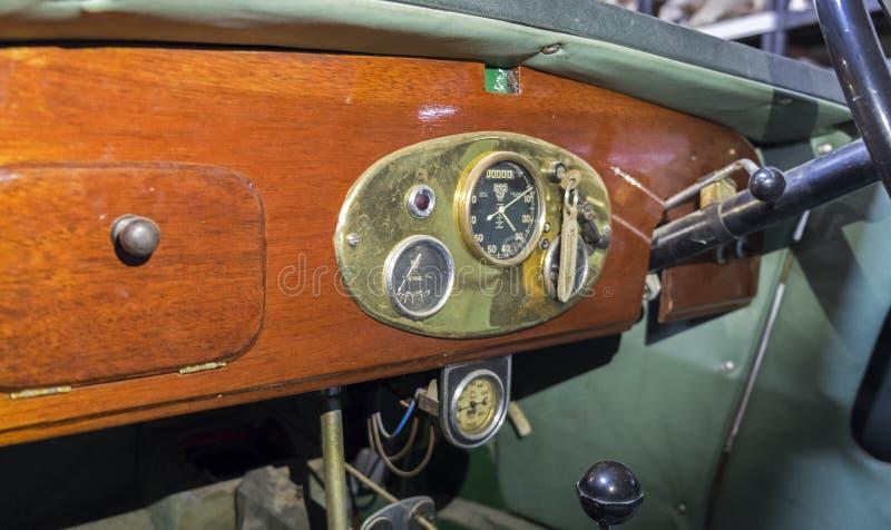 M-tipo 1930 de MG del vintage tablero de instrumentos del coche de deportes fotografía de archivo
