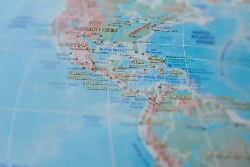 M?xico e Estados Unidos no fim acima no mapa Foco no nome do pa?s Efeito do Vignetting foto de stock