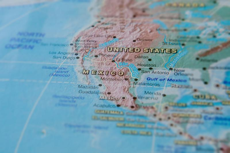 M?xico no fim acima no mapa Foco no nome do pa?s Efeito do Vignetting imagens de stock