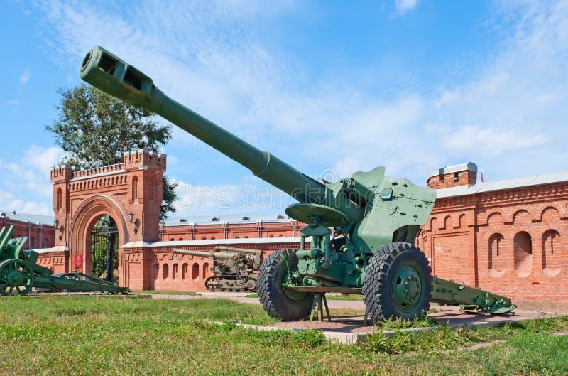 M1955 (D-20) kanon-houwitser stock foto's