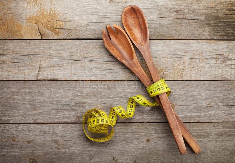Maßband mit Küchengeräten Nähren Sie Nahrung stockfoto