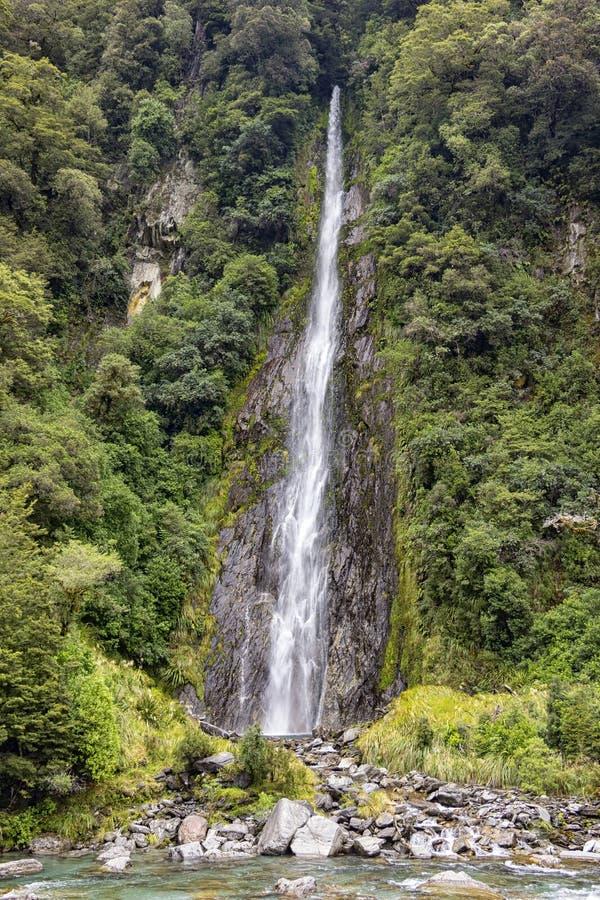 Mała siklawa blisko Fantail spadków, Nowa Zelandia fotografia royalty free