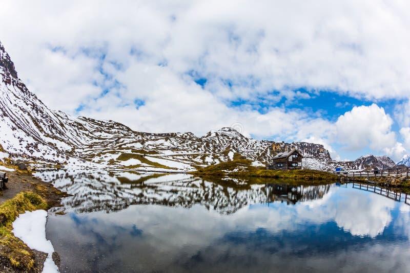 Mały jezioro gleczer woda zdjęcia royalty free
