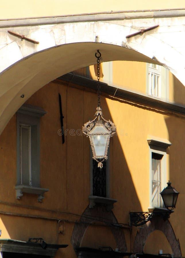 Mały lampion na łańcuchu Lucca, Włochy obrazy royalty free
