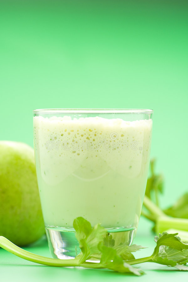 Maçã da agitação de leite da fruta fresca foto de stock