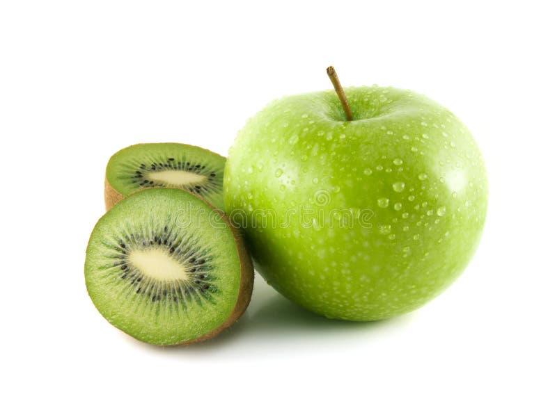 maçã verde e quivi cortado no branco fotos de stock royalty free