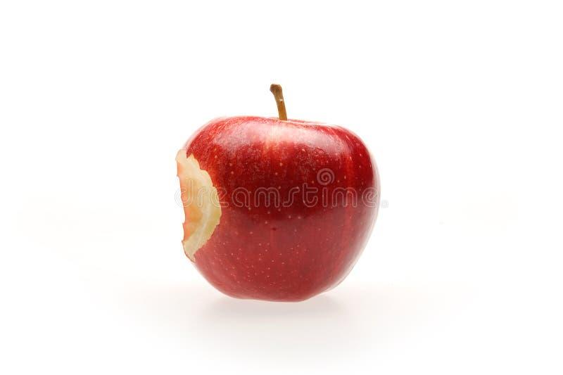 Maçã vermelha com mordida fotos de stock