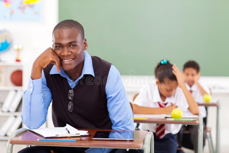 Maître d'école africain images stock