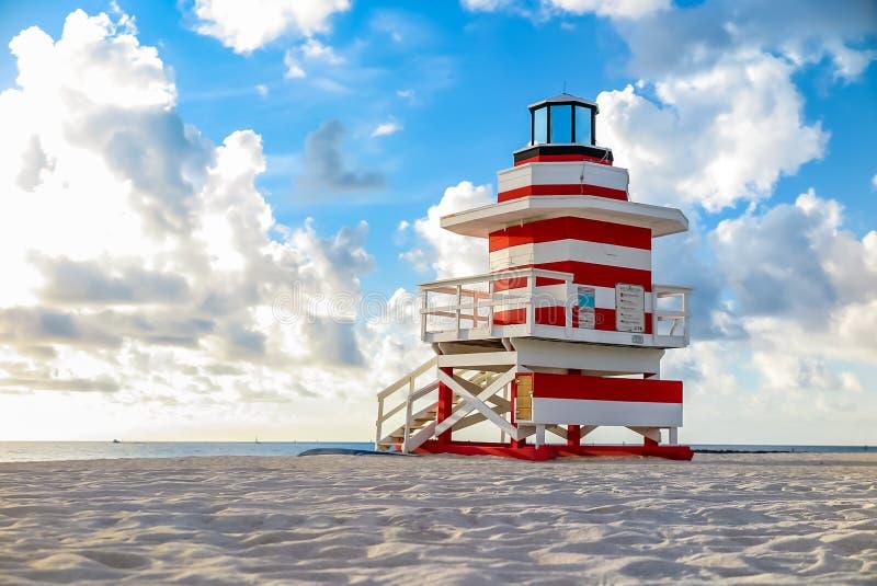 Maître nageur coloré Tower en plage du sud, Miami Beach photo libre de droits