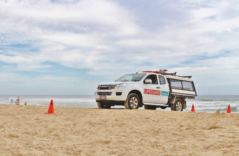 Maître nageurs sur la plage dans le paradis de surfers photo stock