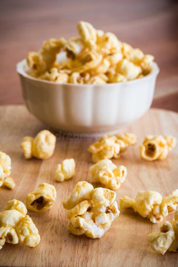 Maïs éclaté doux de caramel images libres de droits