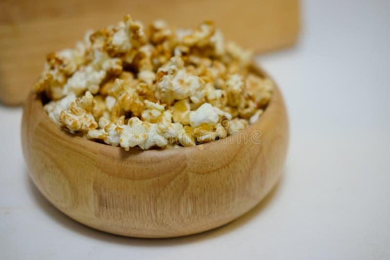 Maïs éclaté doux de caramel photo stock