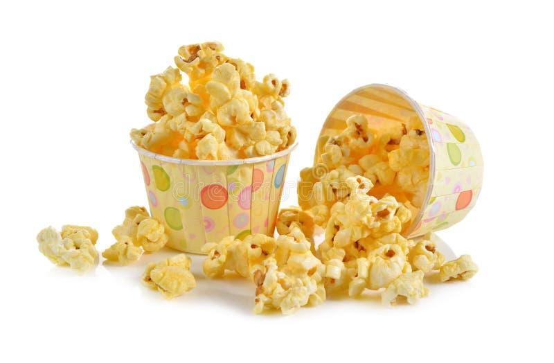 Maïs de bruit avec du beurre assaisonné sur le blanc images stock